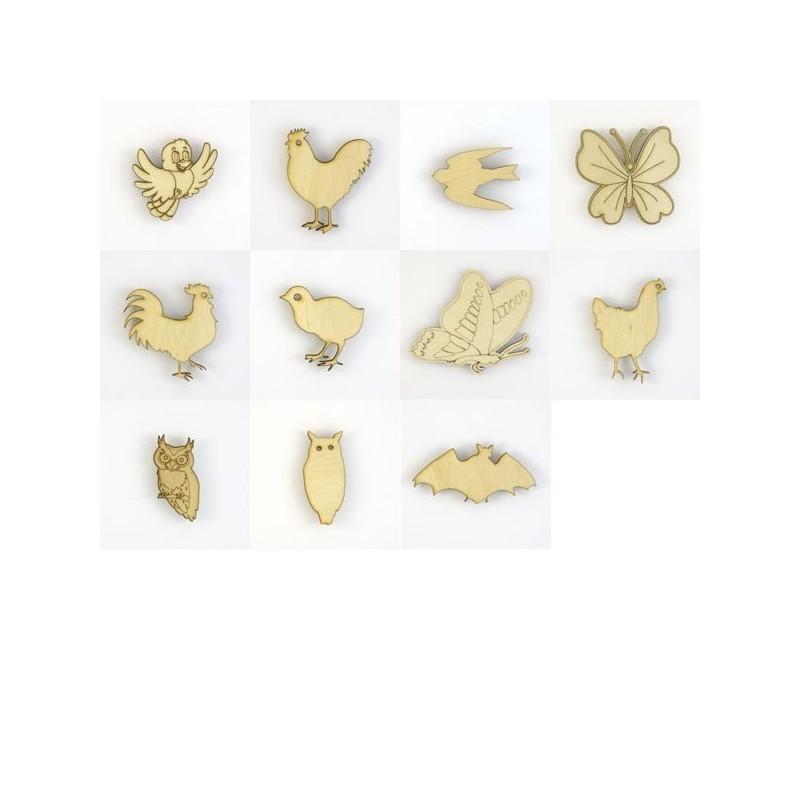 Un pack de 10 poussins, poules, coqs,chauve-souris,  oiseaux et papillons