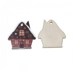 Maison en hiver décorée  en bois
