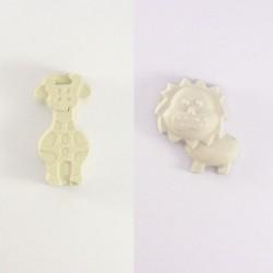 Lion et girafe en plâtre