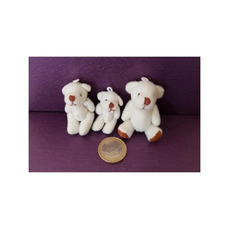 3 petits ours et ourson miniature peluche blancs