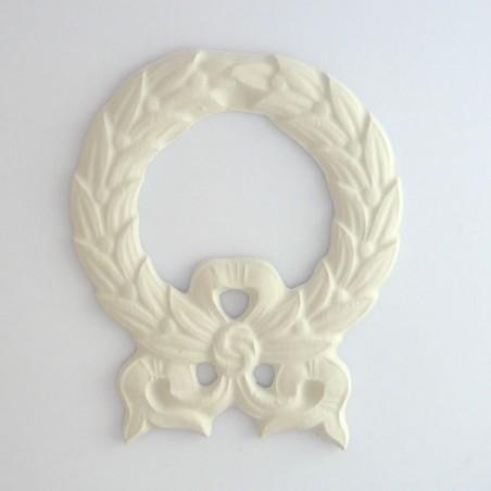 Cadre embellissement médaillon ruban en platre